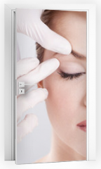 Naklejka na drzwi - plastic surgery