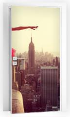 Naklejka na drzwi - Ballet Dancer in front of New York Skyline