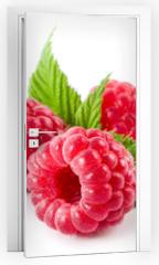 Naklejka na drzwi - Raspberries isolated on white