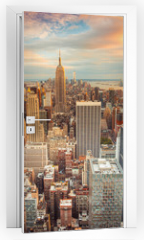 Naklejka na drzwi - Sunset view of New York City looking over midtown Manhattan