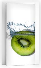 Naklejka na drzwi - verschiedene obstsorten im wasser