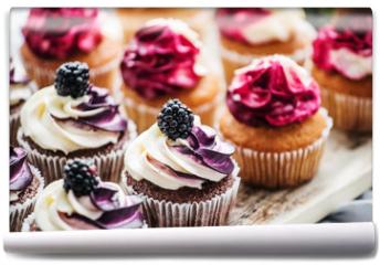 Fototapeta - berry cupcakes