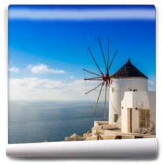 Fototapeta - Moulin à Oia sur l'île de Santorin, Grèce