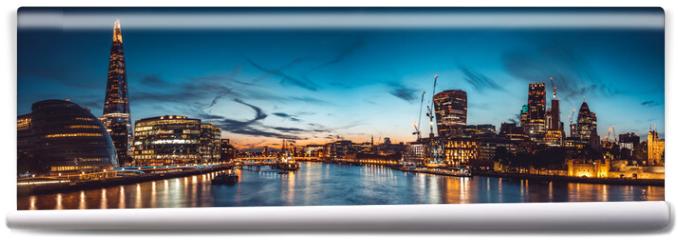 Fototapeta - The banks of river Thames