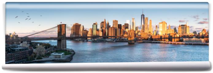 Fototapeta - East River mit Blick auf Manhattan und die Brooklyn Bridge, New York, USA