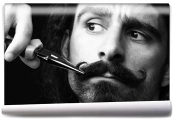 Fototapeta - taglio di baffi con forbici