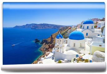 Fototapeta - White architecture of Oia village on Santorini island, Greece
