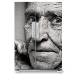 Naklejka na lodówkę - Sight of the old man