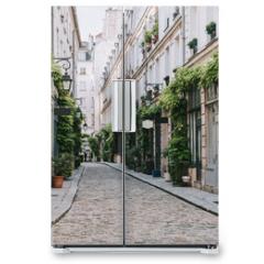 Naklejka na lodówkę - Cozy street in Paris, France