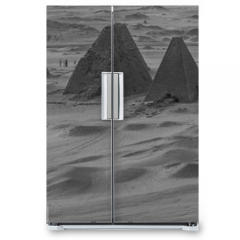 Naklejka na lodówkę - Black and white photo from above of the pyramids near Karima, Sudan