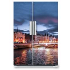 Naklejka na lodówkę - Paris at Night- Bridge, Palace and Island of city