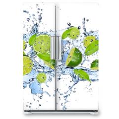 Naklejka na lodówkę - Fresh limes in water splash,isolated on white background