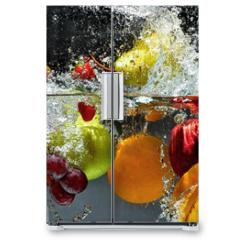 Naklejka na lodówkę - Fruit and vegetables splash into water