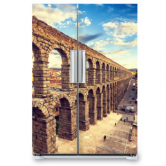 Naklejka na lodówkę - The famous ancient aqueduct in Segovia, Castilla y Leon, Spain