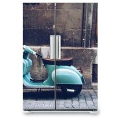 Naklejka na lodówkę - old, blue vintage motor scooter in Palma de Mallorca