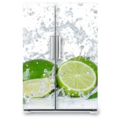 Naklejka na lodówkę - Limes with water splash