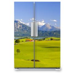 Naklejka na lodówkę - Panorama Landschaft in Bayern mit Alpen, Berge und Wiesen im Allgäu
