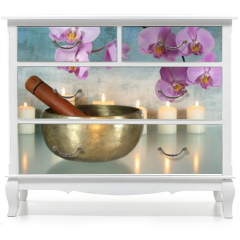 Naklejka na meble - Klangschale mit Orchideenblüten und Kerzen