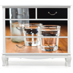 Naklejka na meble - Vodka in shot glass.