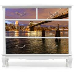 Naklejka na meble - Skyline of New York and Brooklyn bridge at night, New York, USA