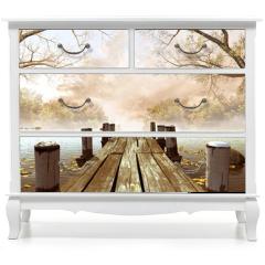 Naklejka na meble - Jesienna sceneria z drewnianym molo na jeziorze