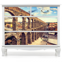 Naklejka na meble - The famous ancient aqueduct in Segovia, Castilla y Leon, Spain