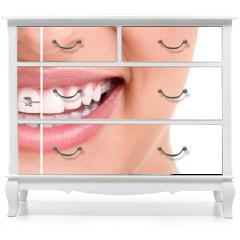 Naklejka na meble - Healthy smile with braces