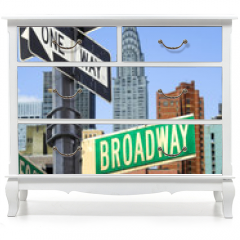 Naklejka na meble - Broadway sign in front of New York City skyline