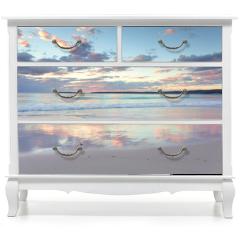 Naklejka na meble - Pretty pastel dawn sunrise at Hyams Beach NSW Australia