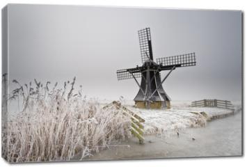 Obraz na płótnie canvas - windmill landscape