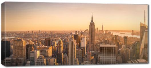 Obraz na płótnie canvas - New York City skyline panorama at sunset