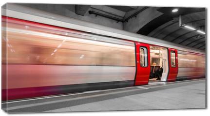 Obraz na płótnie canvas - London tube moving
