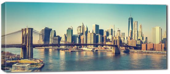 Obraz na płótnie canvas - Brooklyn bridge and Manhattan at sunny day, New York City