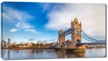 Obraz na płótnie canvas - London cityscape panorama with River Thames Tower Bridge and Tower of London in the morning light