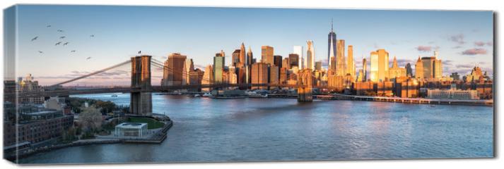 Obraz na płótnie canvas - East River mit Blick auf Manhattan und die Brooklyn Bridge, New York, USA
