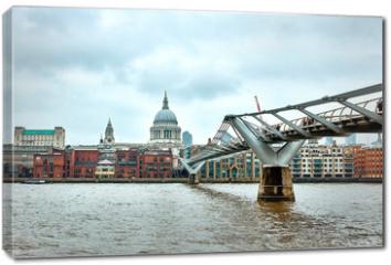 Obraz na płótnie canvas - London Millennium Bridge
