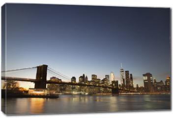 Obraz na płótnie canvas - New York skyline with Brooklyn Bridge