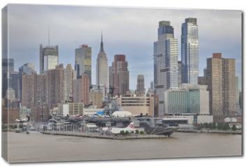 Obraz na płótnie canvas - A View of New York City from Hudson River, USA