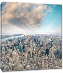 Obraz na płótnie canvas - Midtown Manhattan aerial skyline at sunset, New York