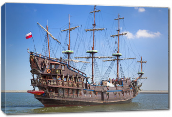 Obraz na płótnie canvas - Pirate galleon ship on the water of Baltic Sea in Gdynia, Poland