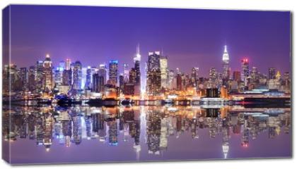 Obraz na płótnie canvas - Manhattan Skyline with Reflections
