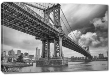 Obraz na płótnie canvas - The Manhattan Bridge, New York City. Awesome wideangle upward vi