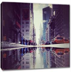 Obraz na płótnie canvas - Lexington Avenue Puddle Upside Down