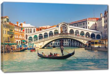 Obraz na płótnie canvas - Rialto Bridge in Venice