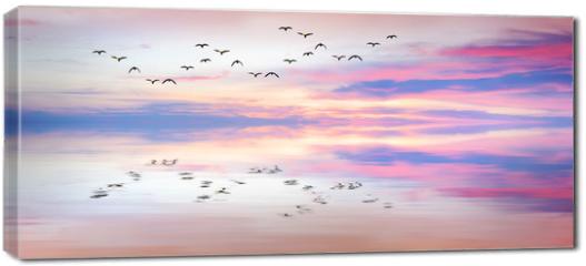 Obraz na płótnie canvas - panoramica de reflejos en el mar