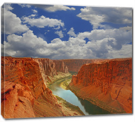 Obraz na płótnie canvas - Water in the Beginning of the Grand Canyon