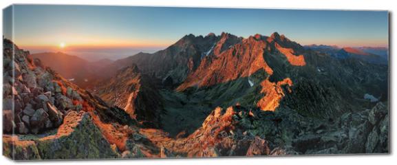 Obraz na płótnie canvas - Panorama mountain autumn landscape