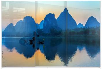 Panel szklany do szafy przesuwnej - Silhouette of Fisherman with Cormorant Bird on Boat China River