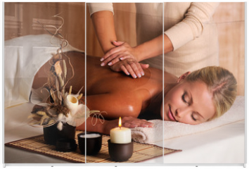 Panel szklany do szafy przesuwnej - professional masseur doing massage of female back