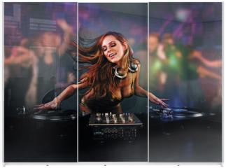 Panel szklany do szafy przesuwnej - Beautiful DJ girl
